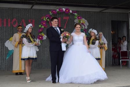 Праздничные мероприятия, посвященные Дню семьи, любви и верности прошли в Каргаполье