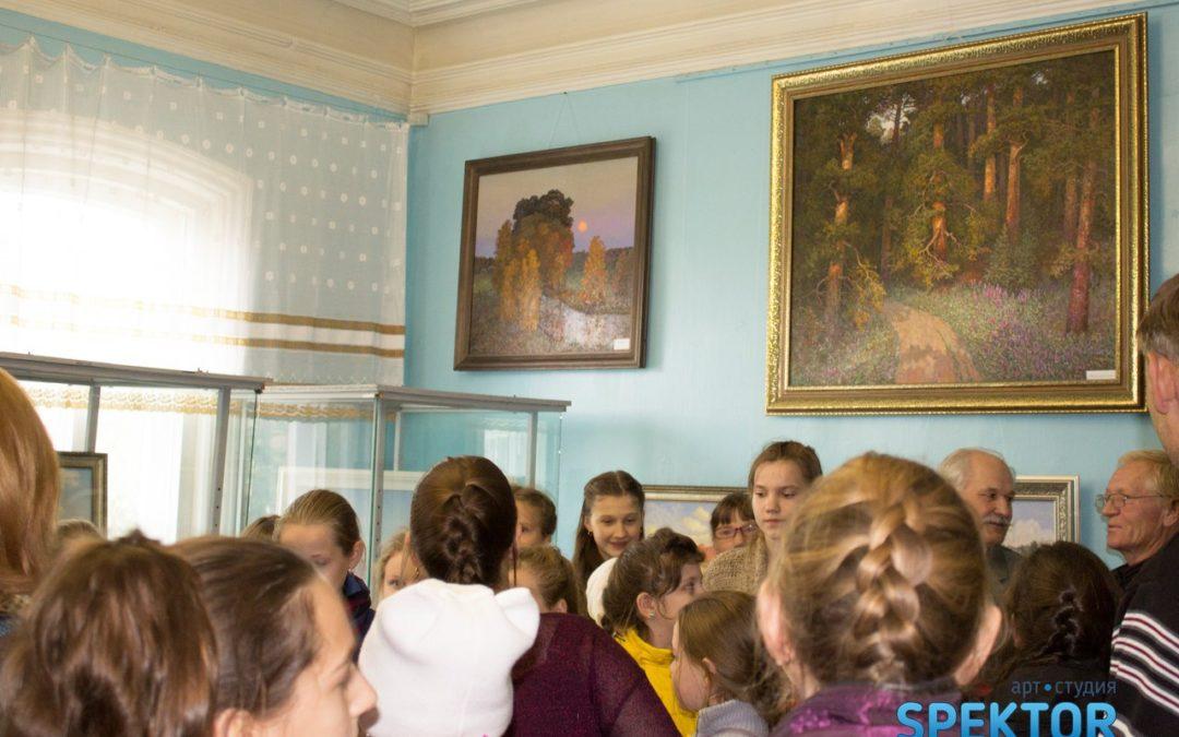 Член Союза художников России открыл выставку в Куртамыше