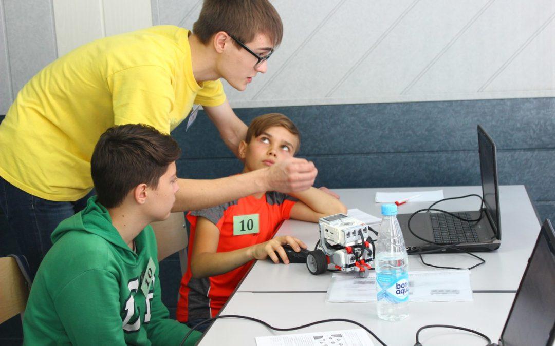 Курганские школьники устроили игры роботов