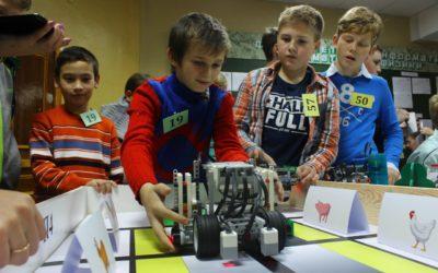 Школьники со всего региона соревновались в робототехнике