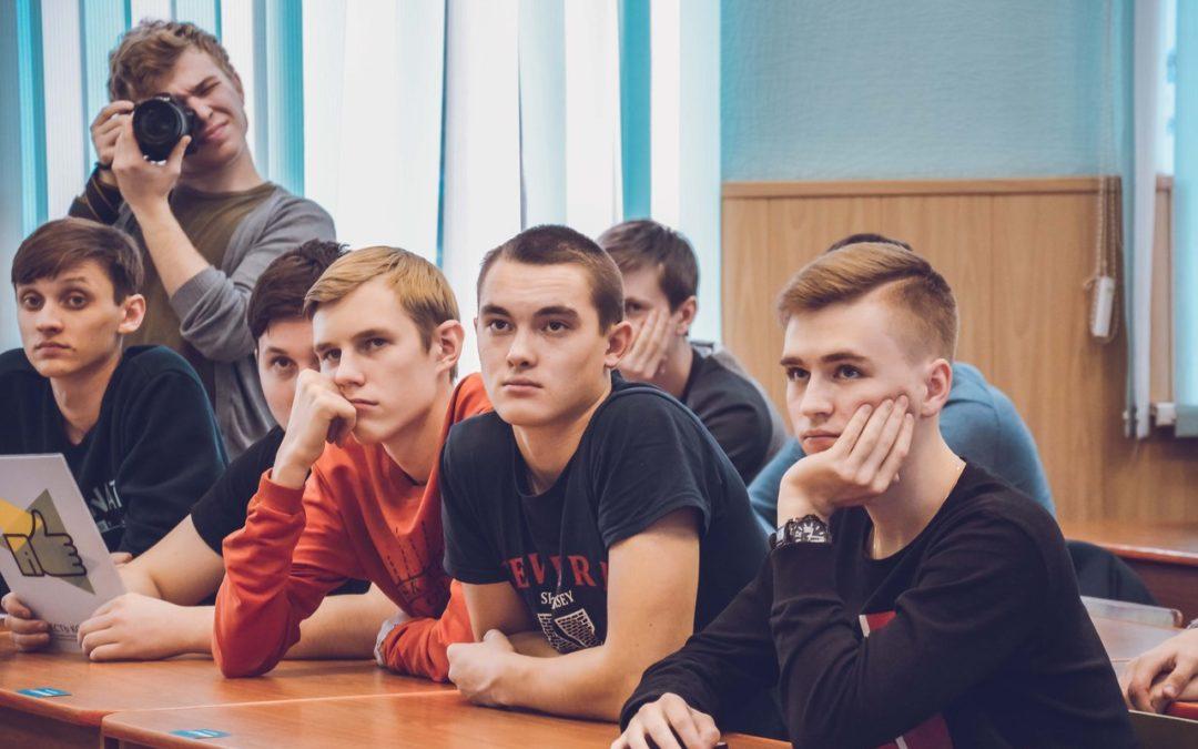 Студенты КГУ стали участниками молодежного проекта «Есть контакт!»