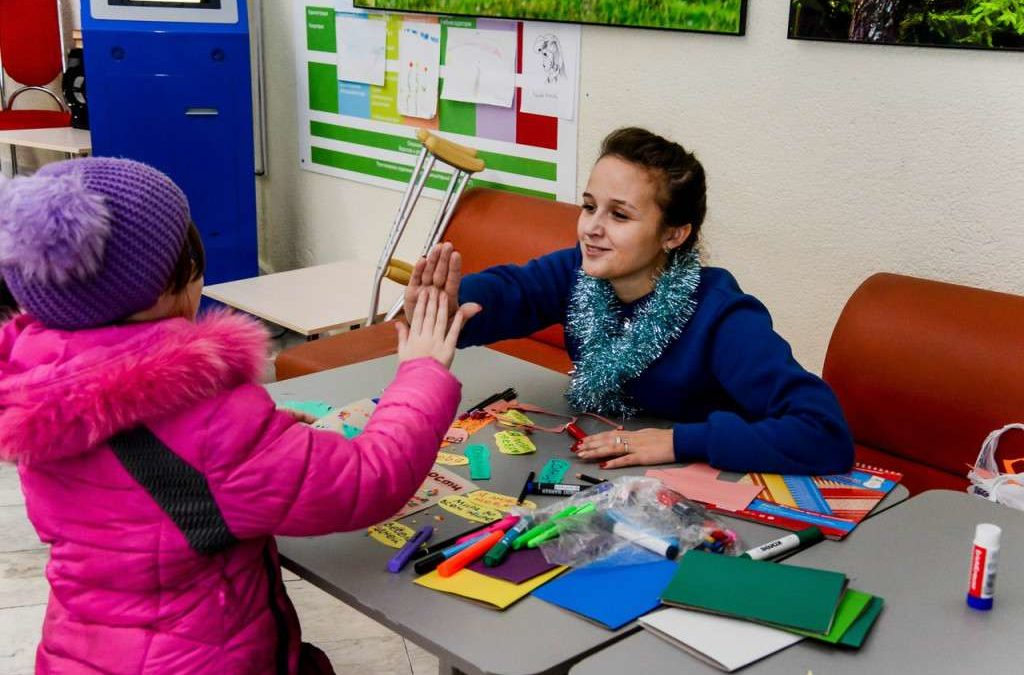 Студенты КГУ подарили новогодний праздник пациентам Центра Илизарова