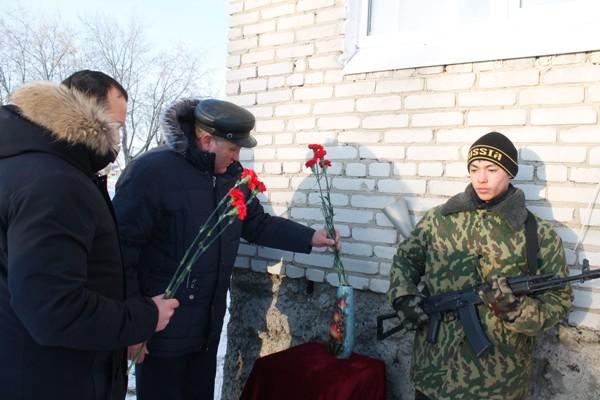 В Далматовском районе открыли мемориальные доски Героям СССР