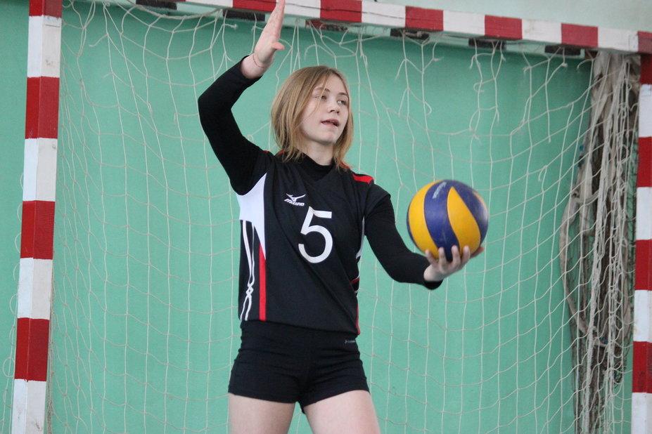 Школьники боролись за «Серебряный мяч»