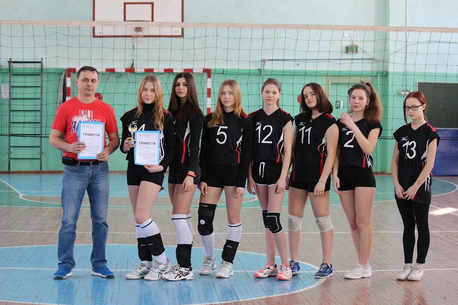 Зауральские волейболисты отправятся на окружные соревнования