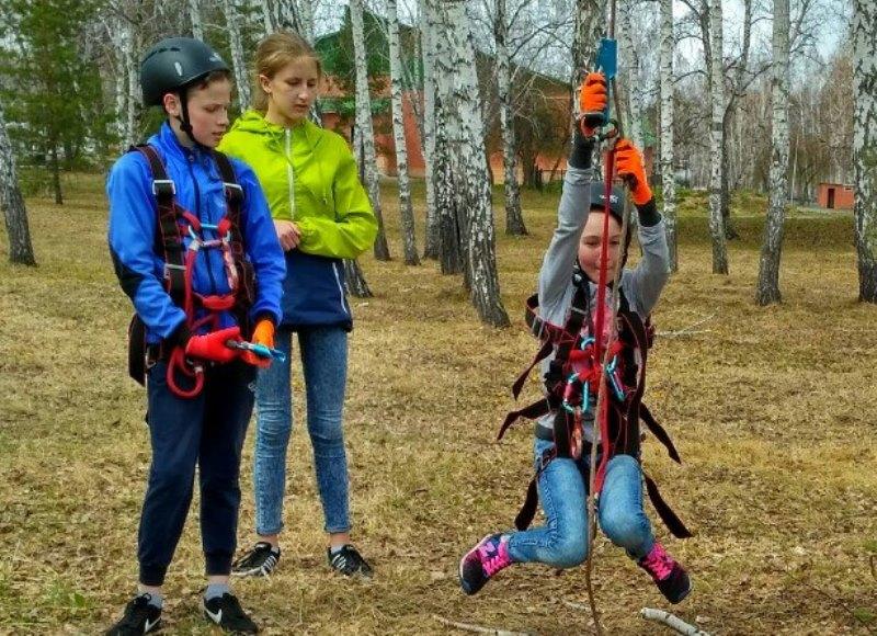 Профильная туристическая смена для школьников прошла в Зауралье