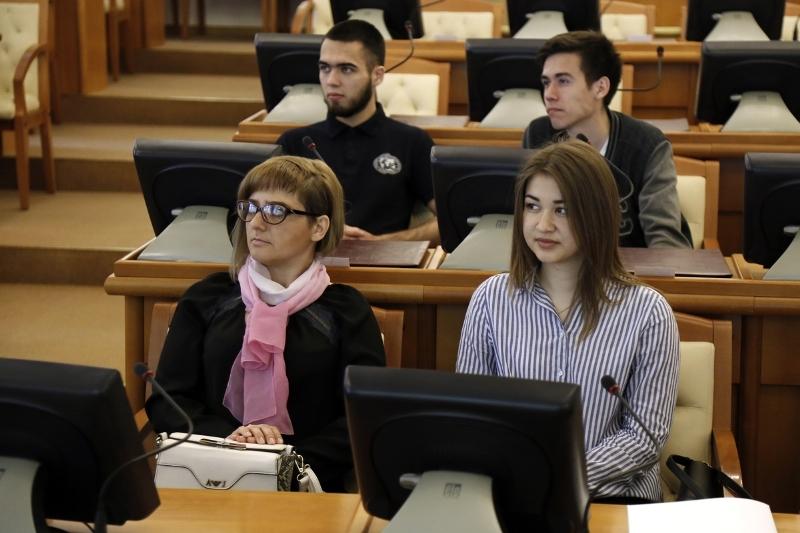 Для волонтеров форума «УТРО» открыли двери в областном правительстве