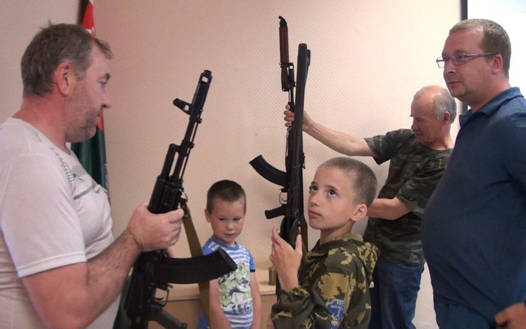 В Далматово открылся клуб «Юный друг пограничника»
