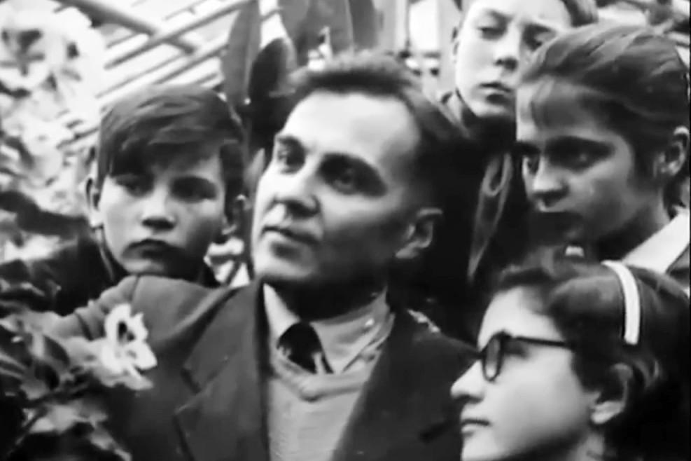 Сердце отдаю детям: 100 лет со дня рождения Василия Сухомлинского
