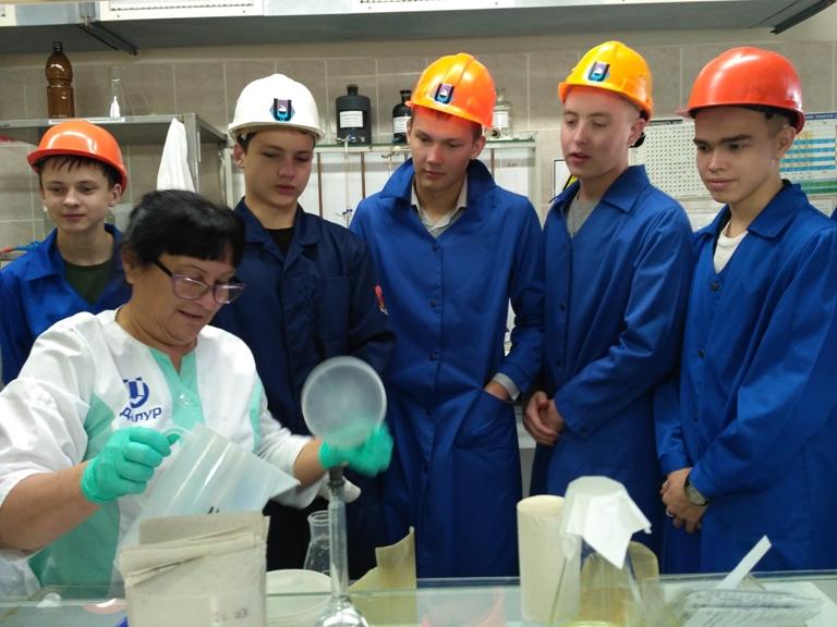 Далматовские школьники побывали на предприятиях Зауралья