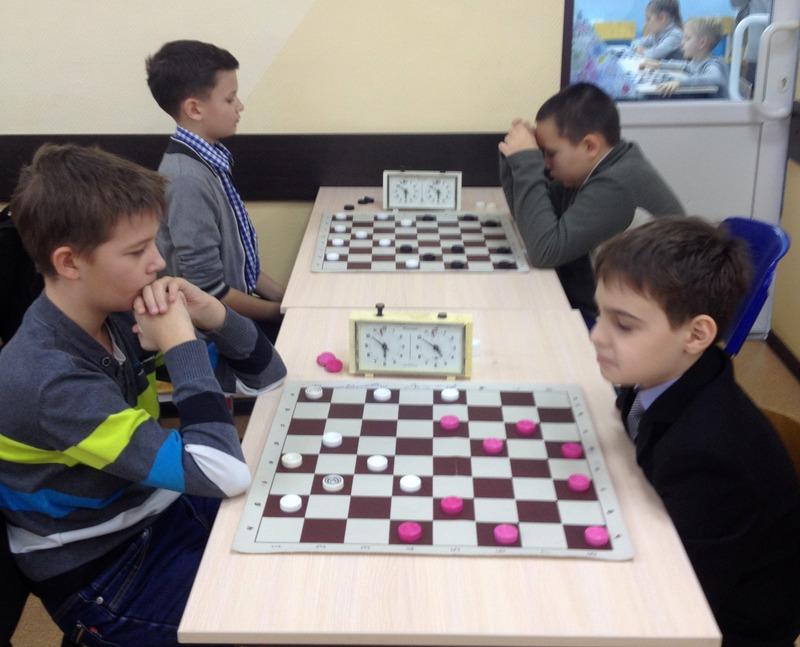 Лучшие игроки в шашки отправятся на окружные соревнования