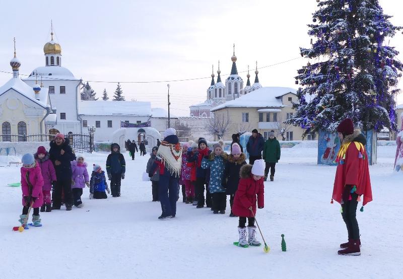 В Далматово стартовала святочная неделя