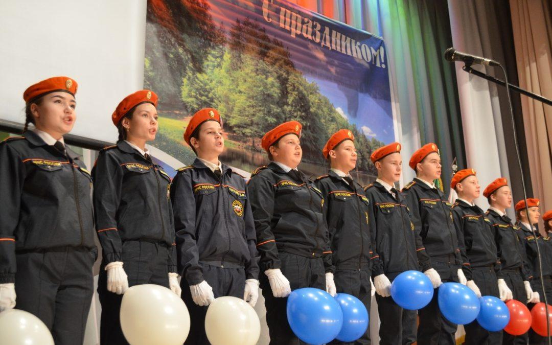 Кетовские юнармейцы открыли патриотический месячник