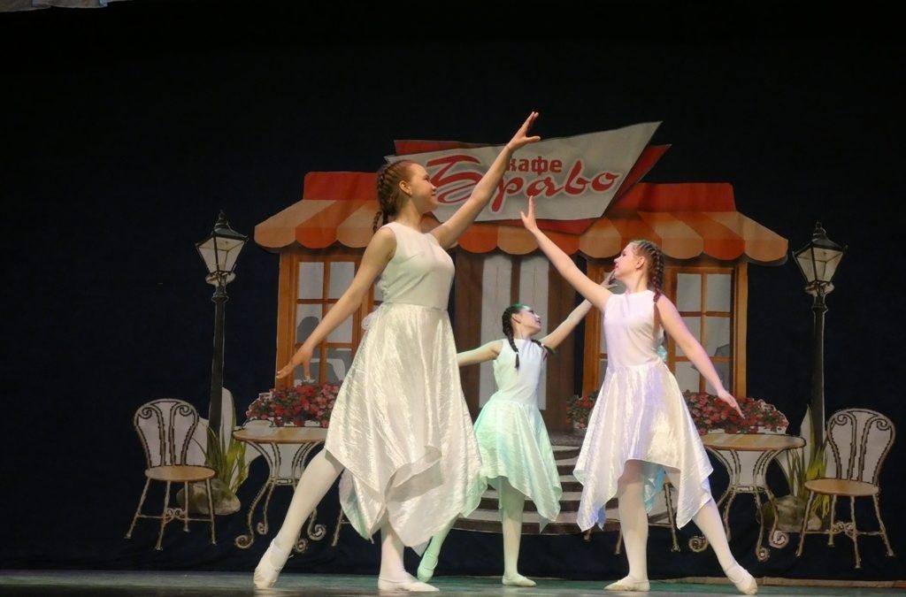 Далматовские танцоры выступили на празднике