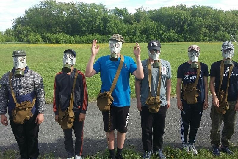 Старшеклассники проходят военную подготовку