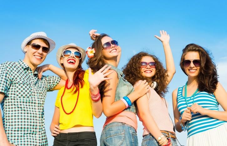 Россияне считают молодежь спортивной и общительной