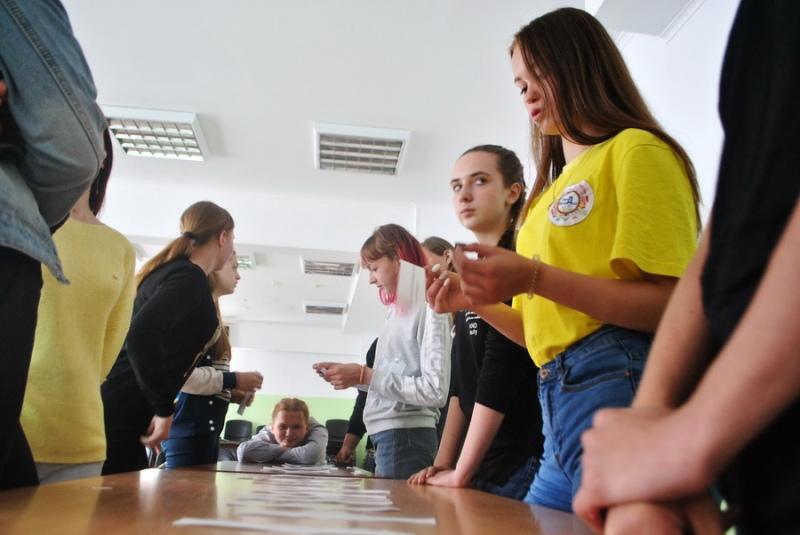 Волонтеры осваивают навыки профилактической работы