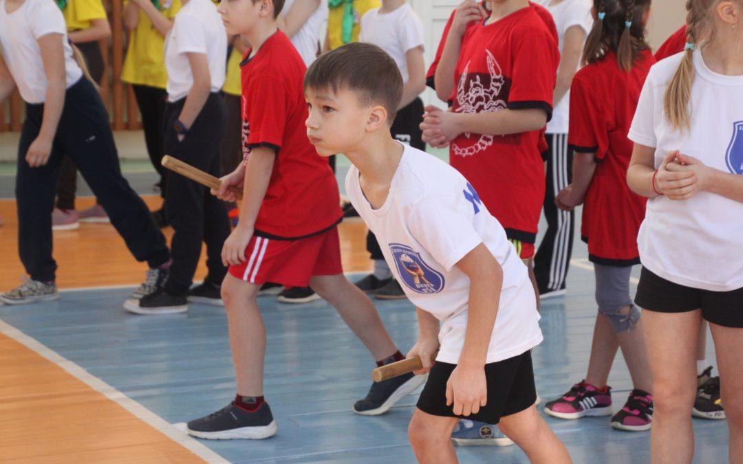 Курганские школьники сыграли в «Веселые старты» от РДШ
