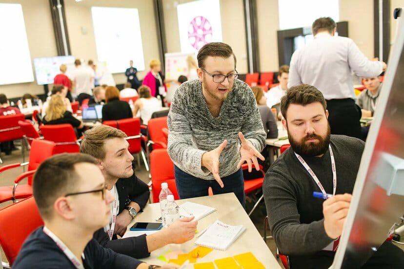 Выпускники всероссийских форумов проходят обучение